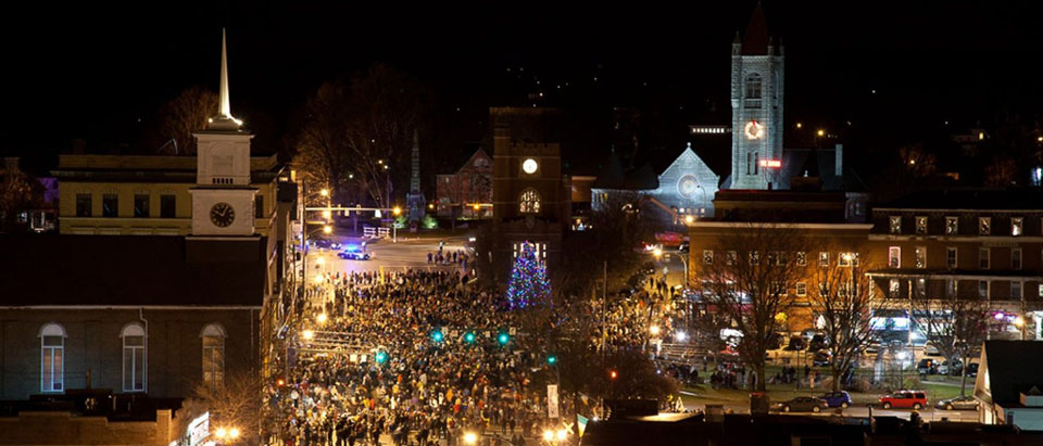 nashua-holiday-stroll.jpg